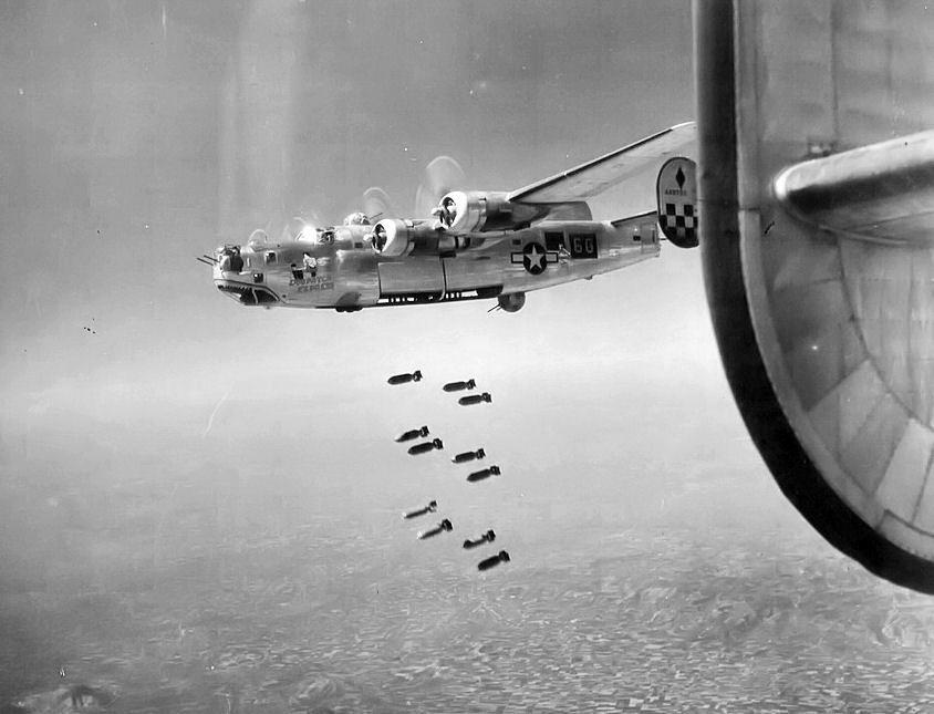 2 maggio 1945. B-24 Liberator bombardano Padova.