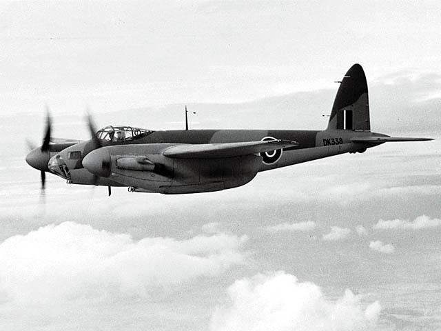 De_Havilland_DH-98_Mosquito_ExCC