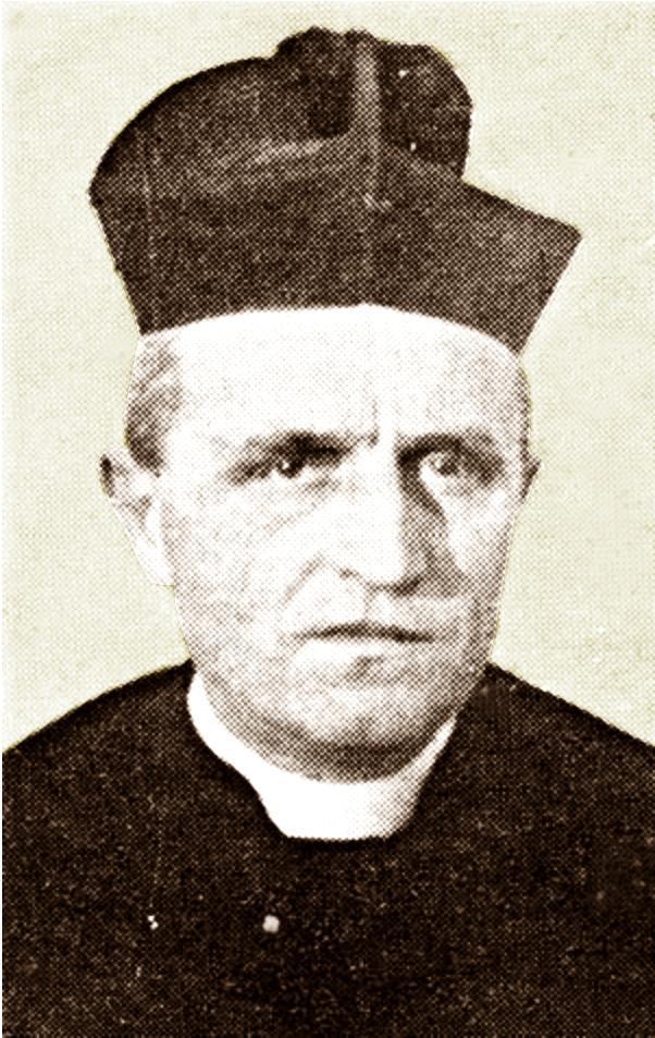 Don Marco Romano, parroco di Battaglia Terme, in una foto del dopoguerra.