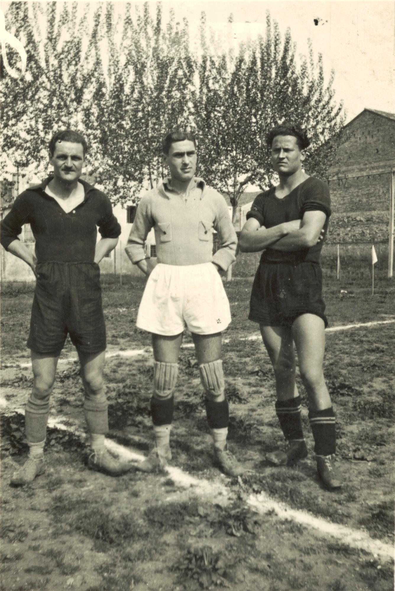 Stanghella, marzo 1938. Da sinistra: Pizzeghello A., Gallinaro, Pizzeghello B.