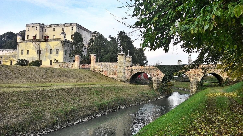 Castello del Catajo e canale Rialto.