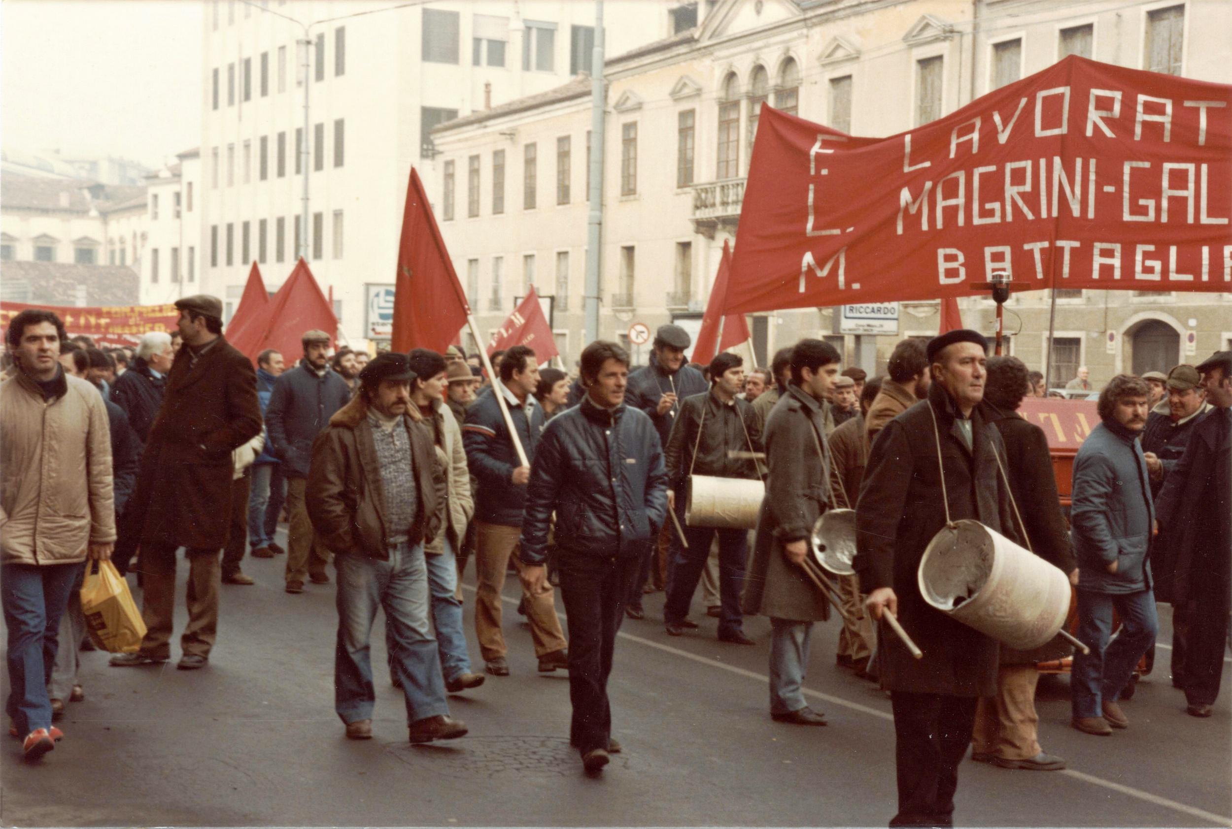 1984, manifestazione dei lavoratori delle Officine di Battaglia Terme.