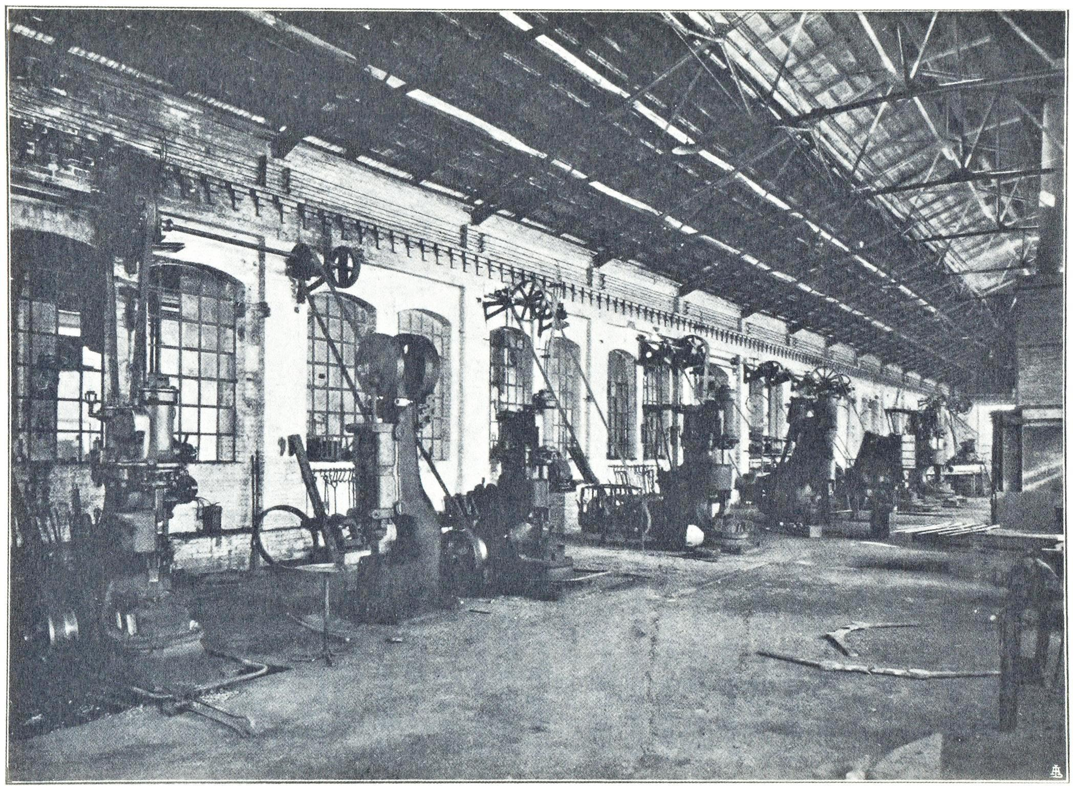 Officine di Battaglia, reparto Serramenti e Forgie - Magli (1925).