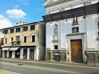 Battaglia Terme, Casa natale di don Domenico Leonati vista da Via Maggiore (SS 16).
