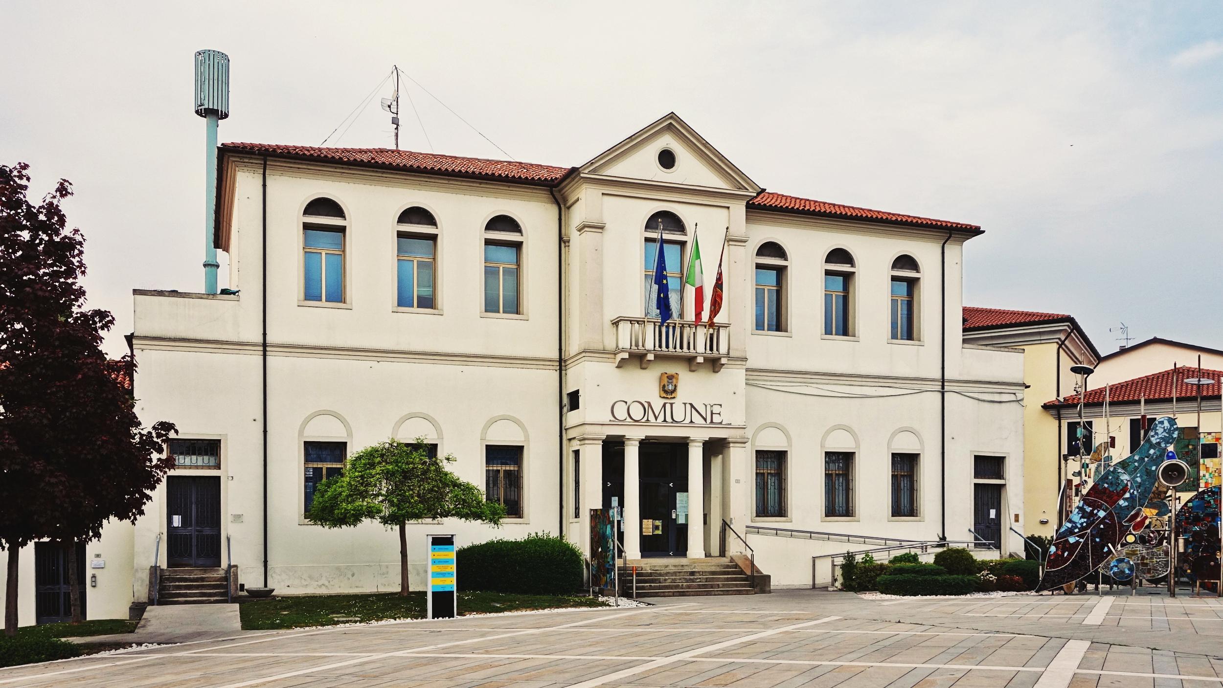 L'attuale sede del comune di Montegrotto Terme, già San Pietro Montagnon.