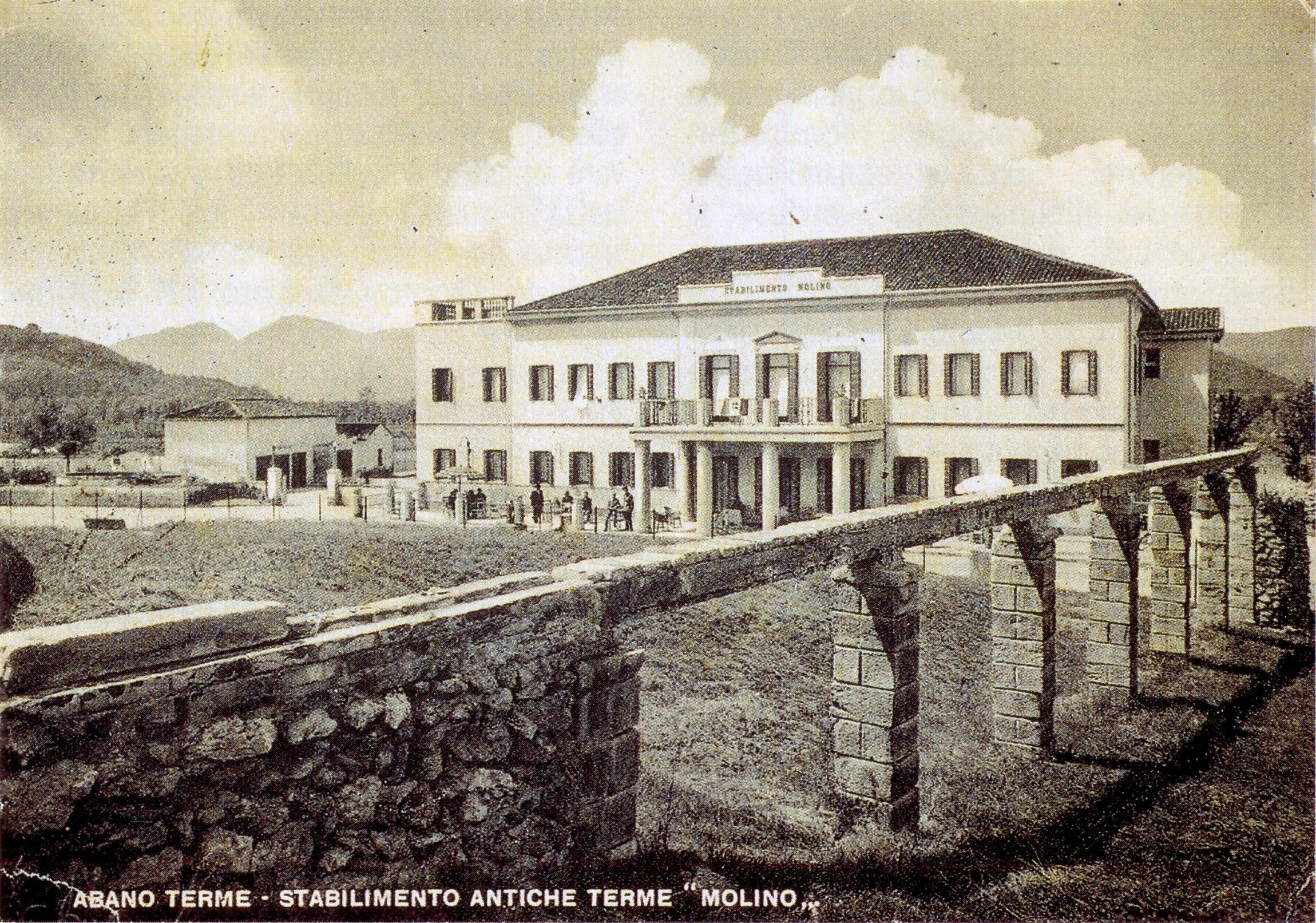 Abano Terme, 1940. La condotta dell'acqua termale che dal Montirone raggiunge l'albergo Molino.