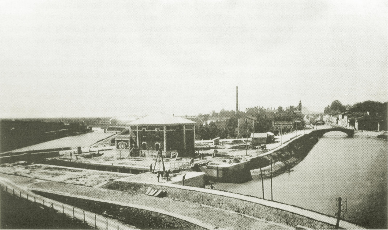 La Conca di navigazione di Battaglia in costruzione.