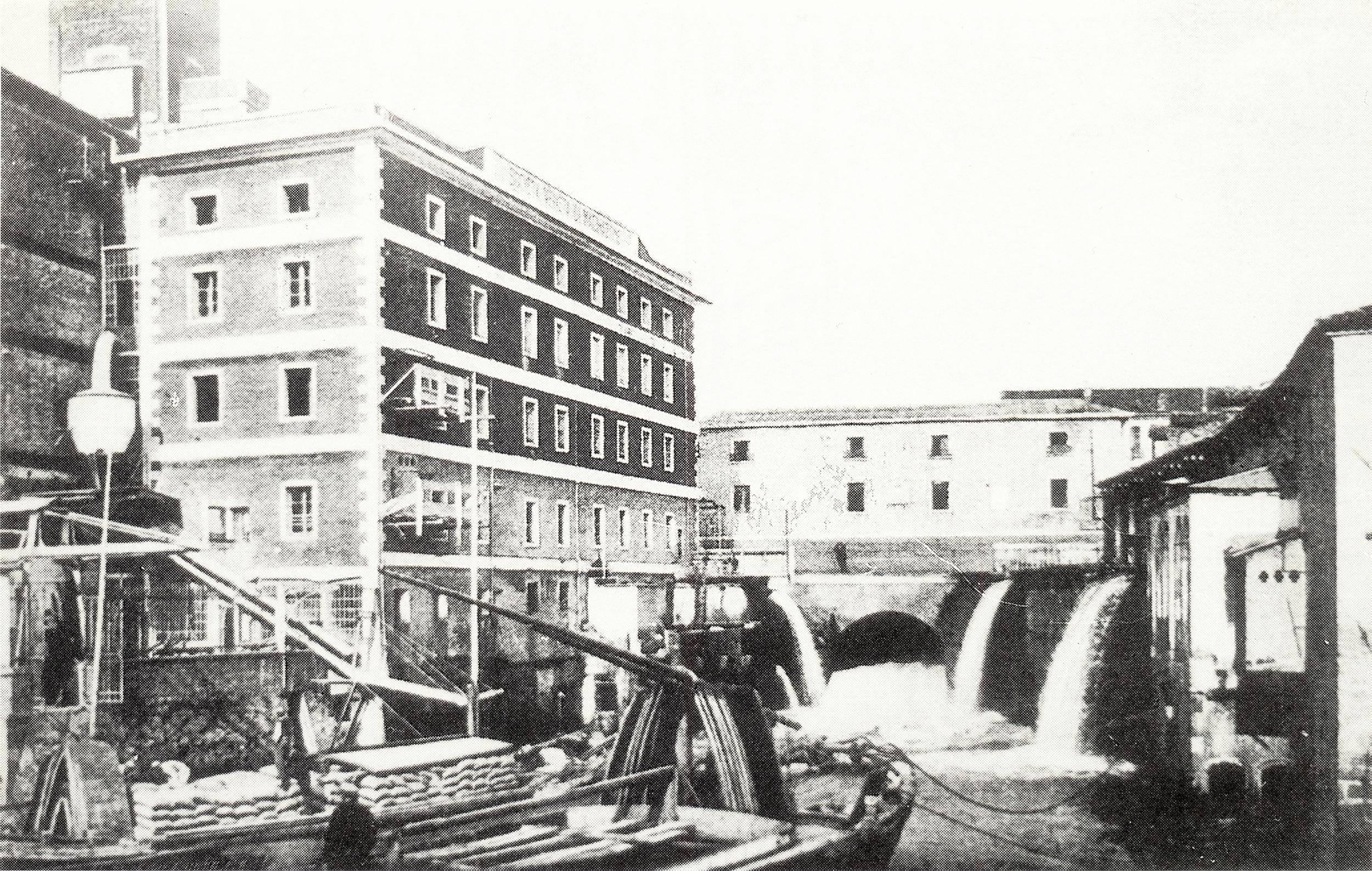Battaglia Terme, l'Arco di Mezzo, attraverso il quale le acque del canale principale si riversano nel Vigenzone.