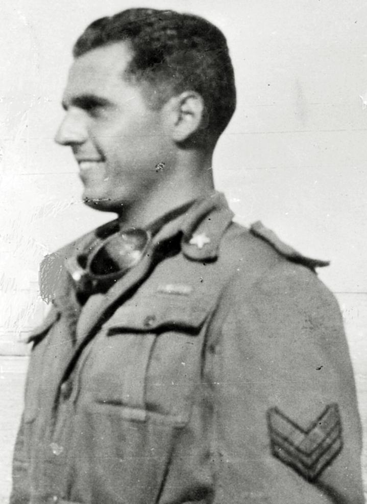 1942, il Caporale Maggiore Paolo Nanti.