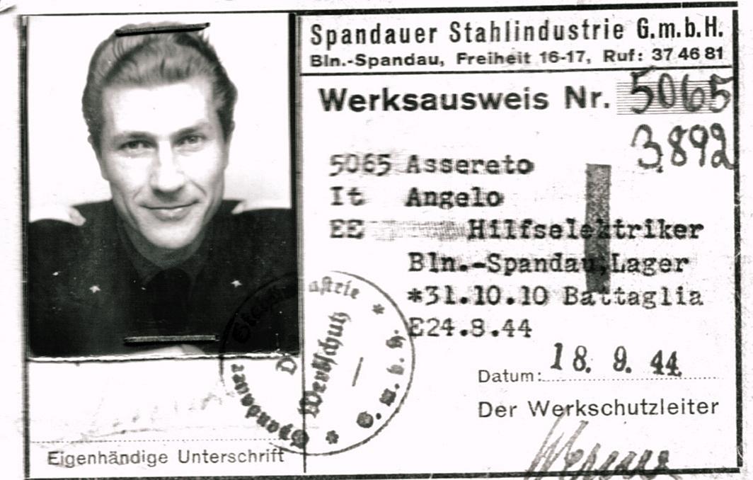 1944, tessera di riconoscimento del prigioniero di guerra Angelo Assereto.