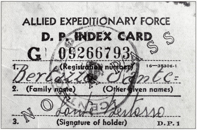 Lasciapassare rilasciato dagli Alleati a Sante Bertazzo nel 1945.