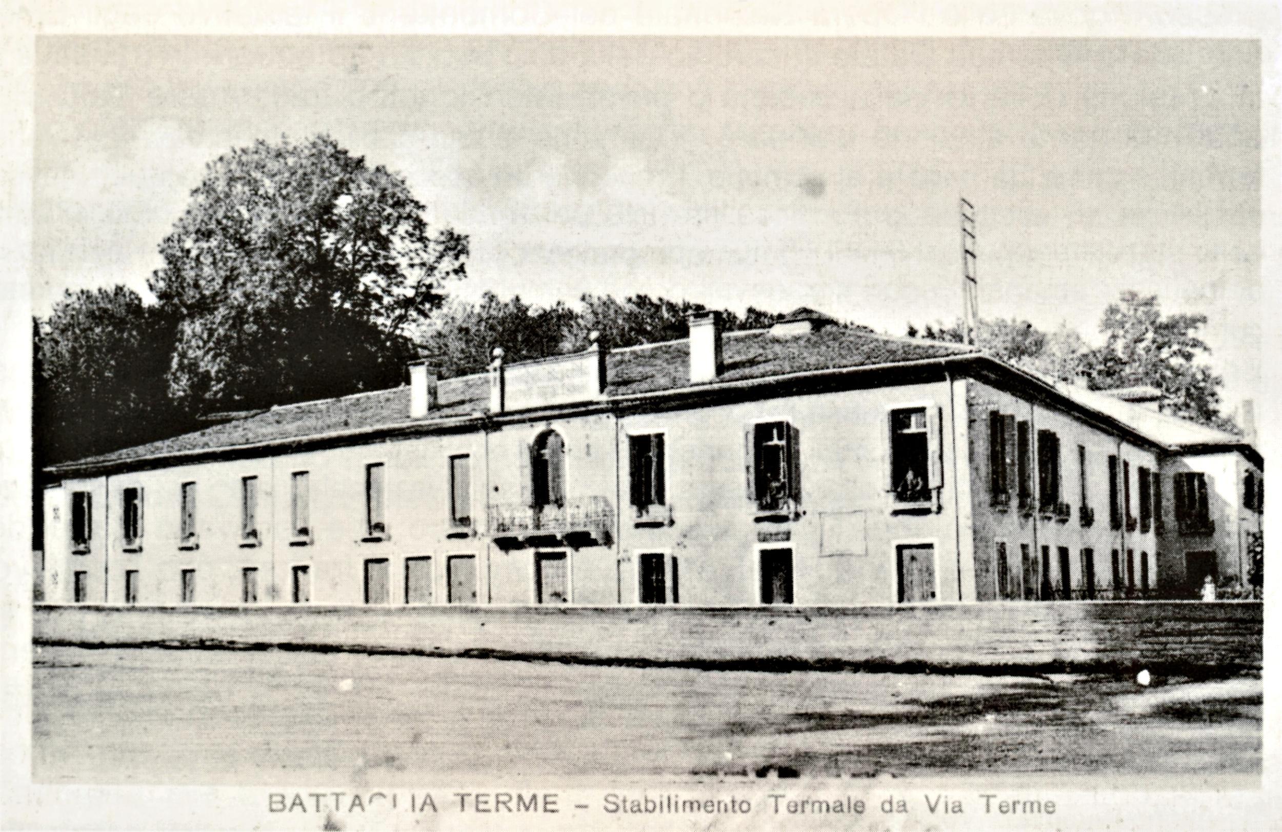 Battaglia, facciata del Grand Hotel lungo il canale (cartolina)
