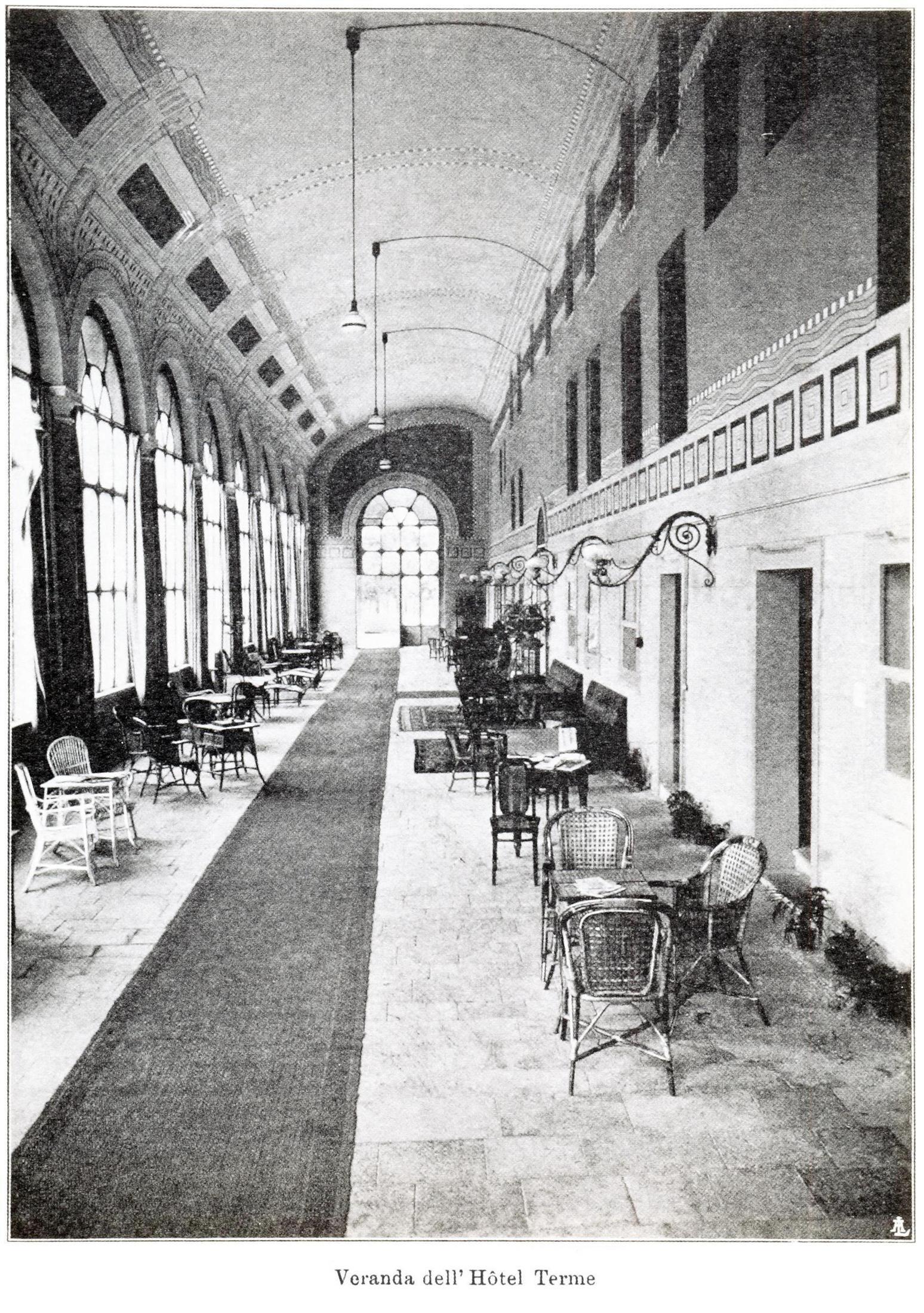Battaglia, le veranda dell'Hotel delle Terme.