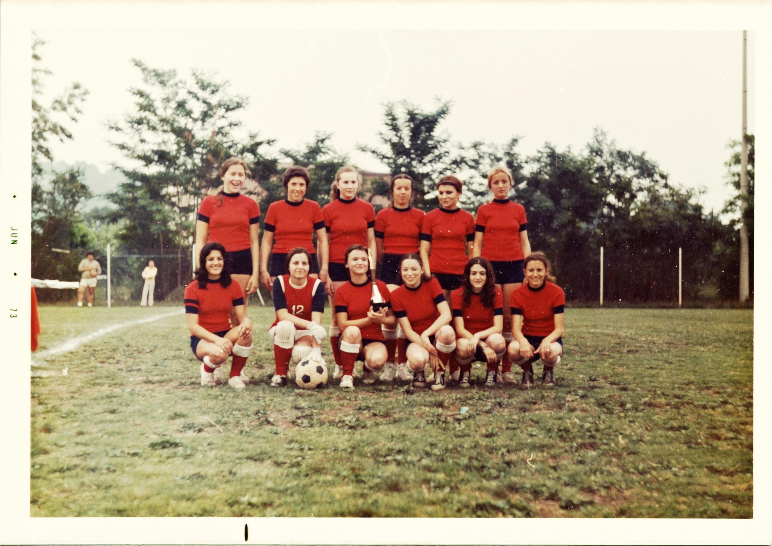 6 giugno 1973, la squadra della Folgore.