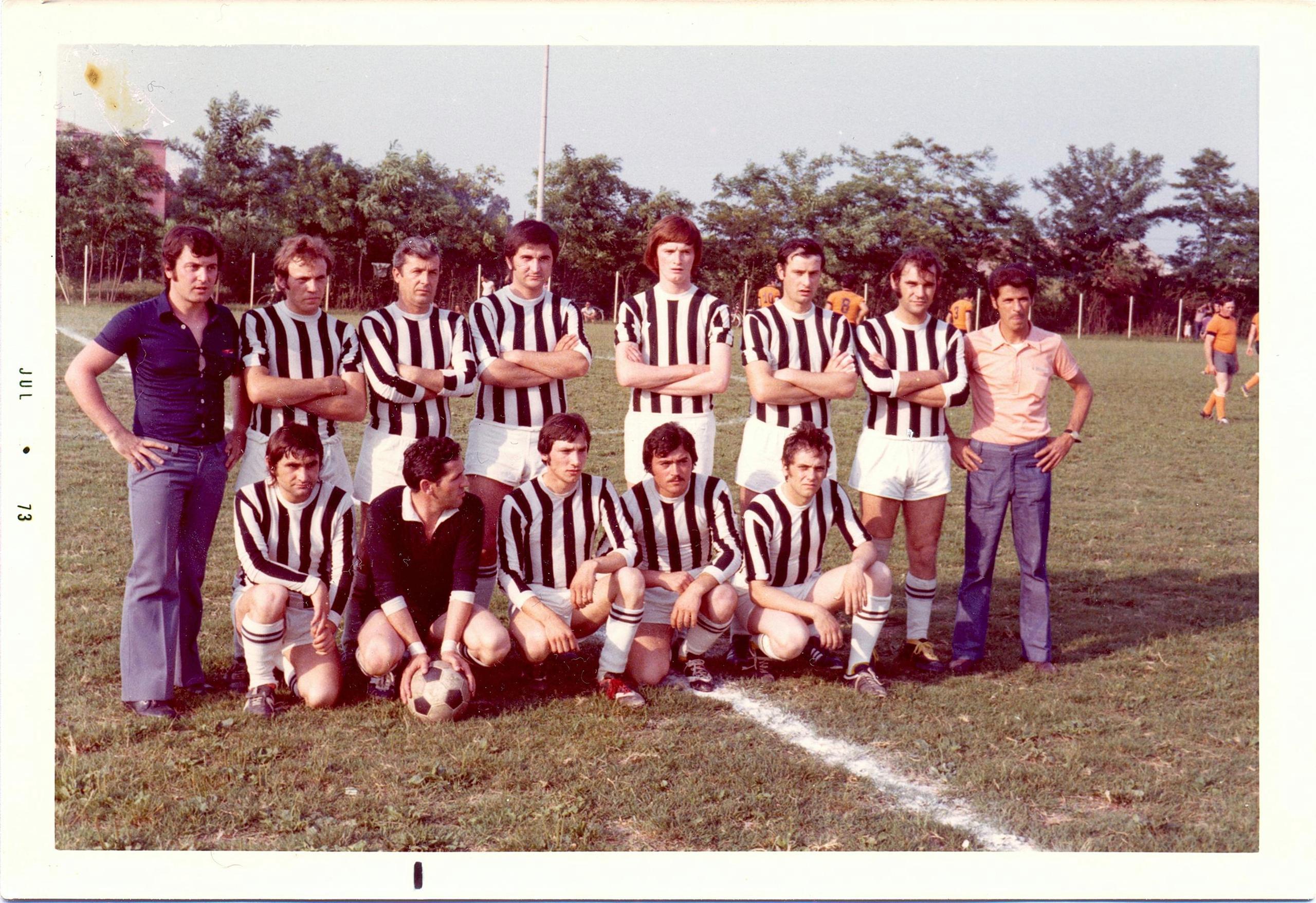 1973, la squadra Montaggi, finalista al torneo aziendale Galileo.