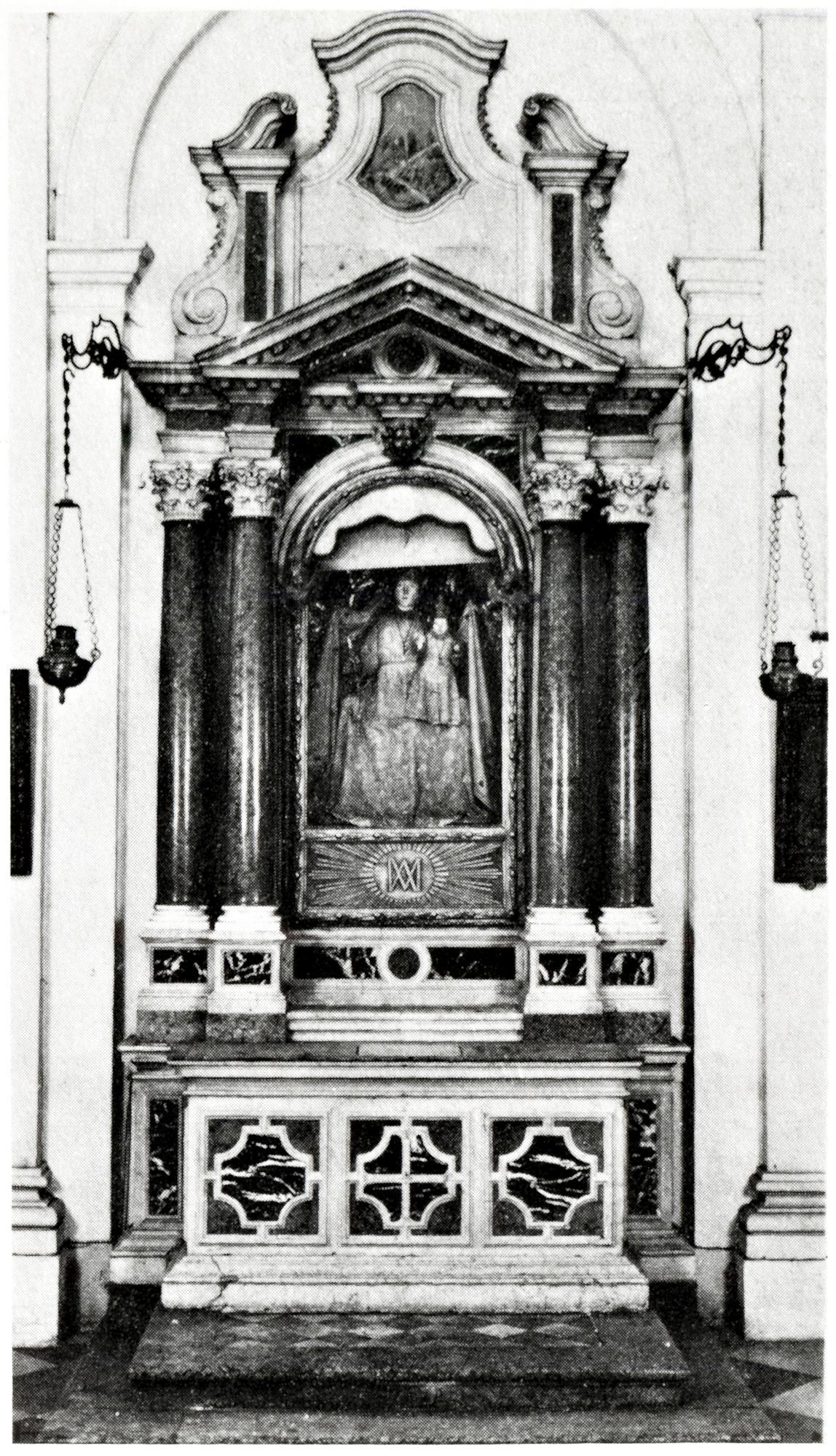 L'altare del Sacro Cuore, vecchia chiesa di S. Giacomo, Battaglia Terme.