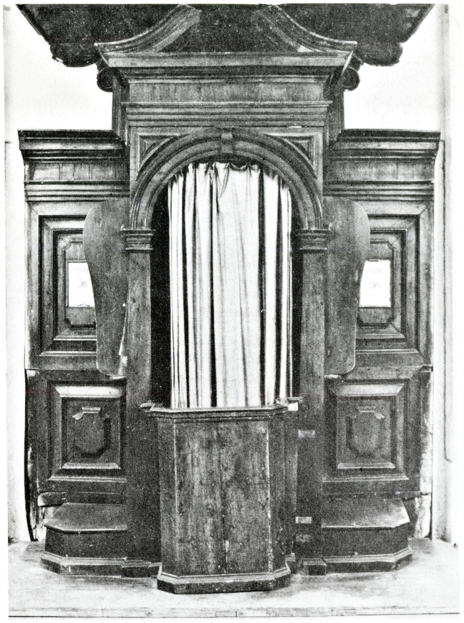 Confessionale, vecchia chiesa di S. Giacomo, Battaglia Terme.
