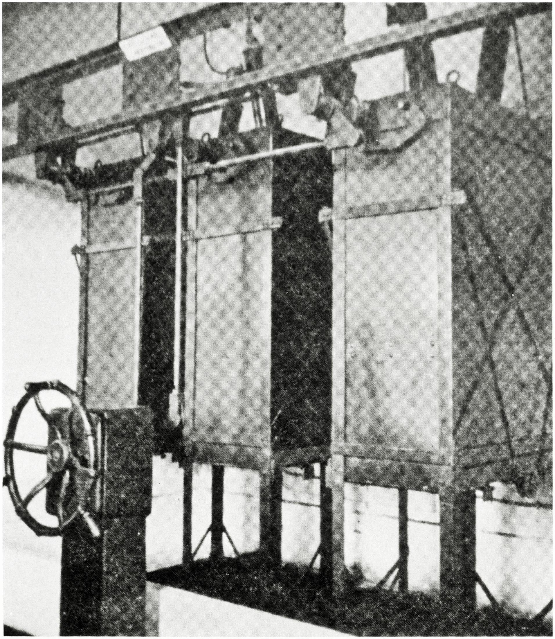 Officine Galileo di Firenze, interruttore a grande volume d'olio in casse separate per 50 KV (1926).