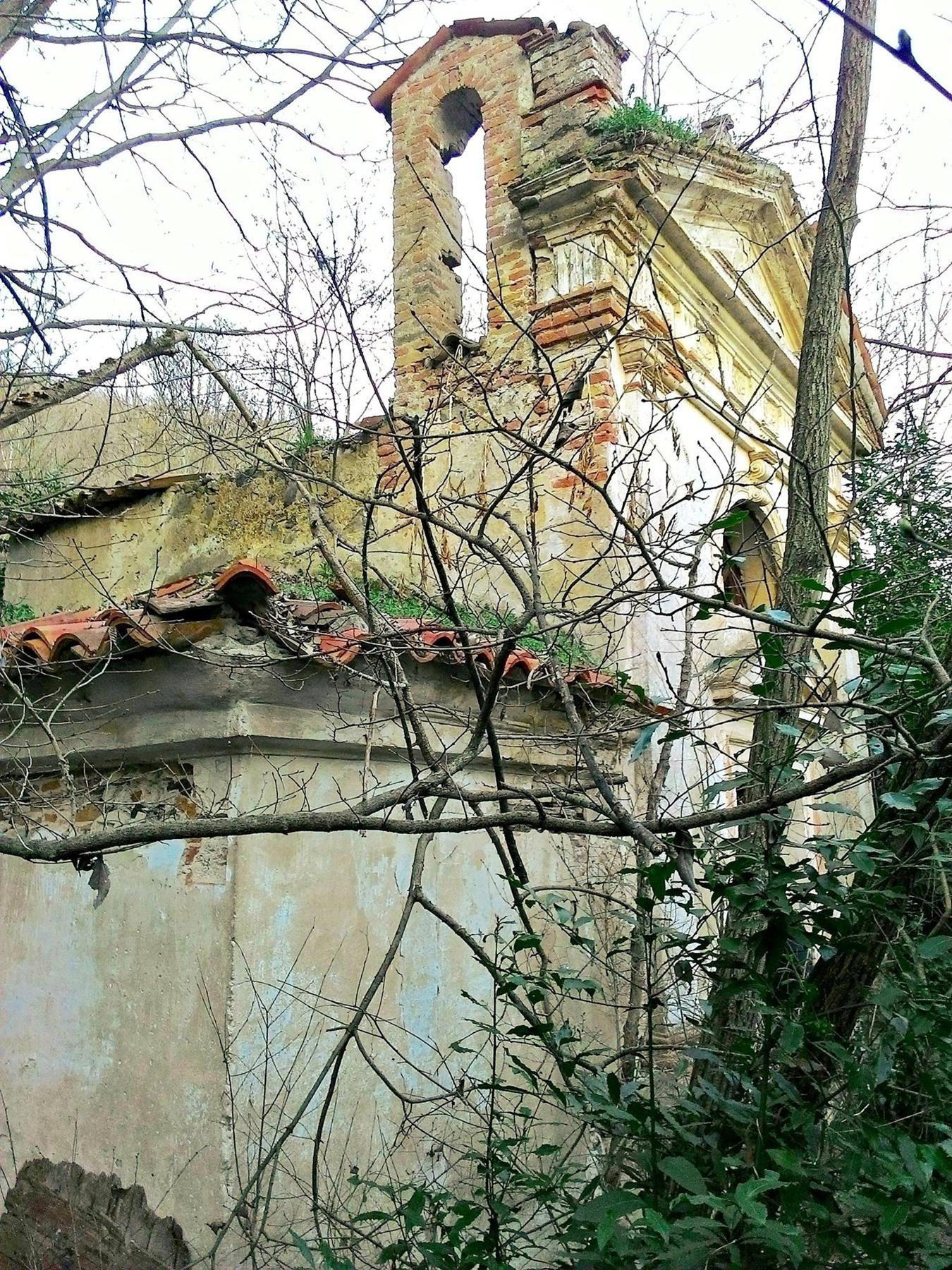 L'oratorio di Villa Valier visto di lato.