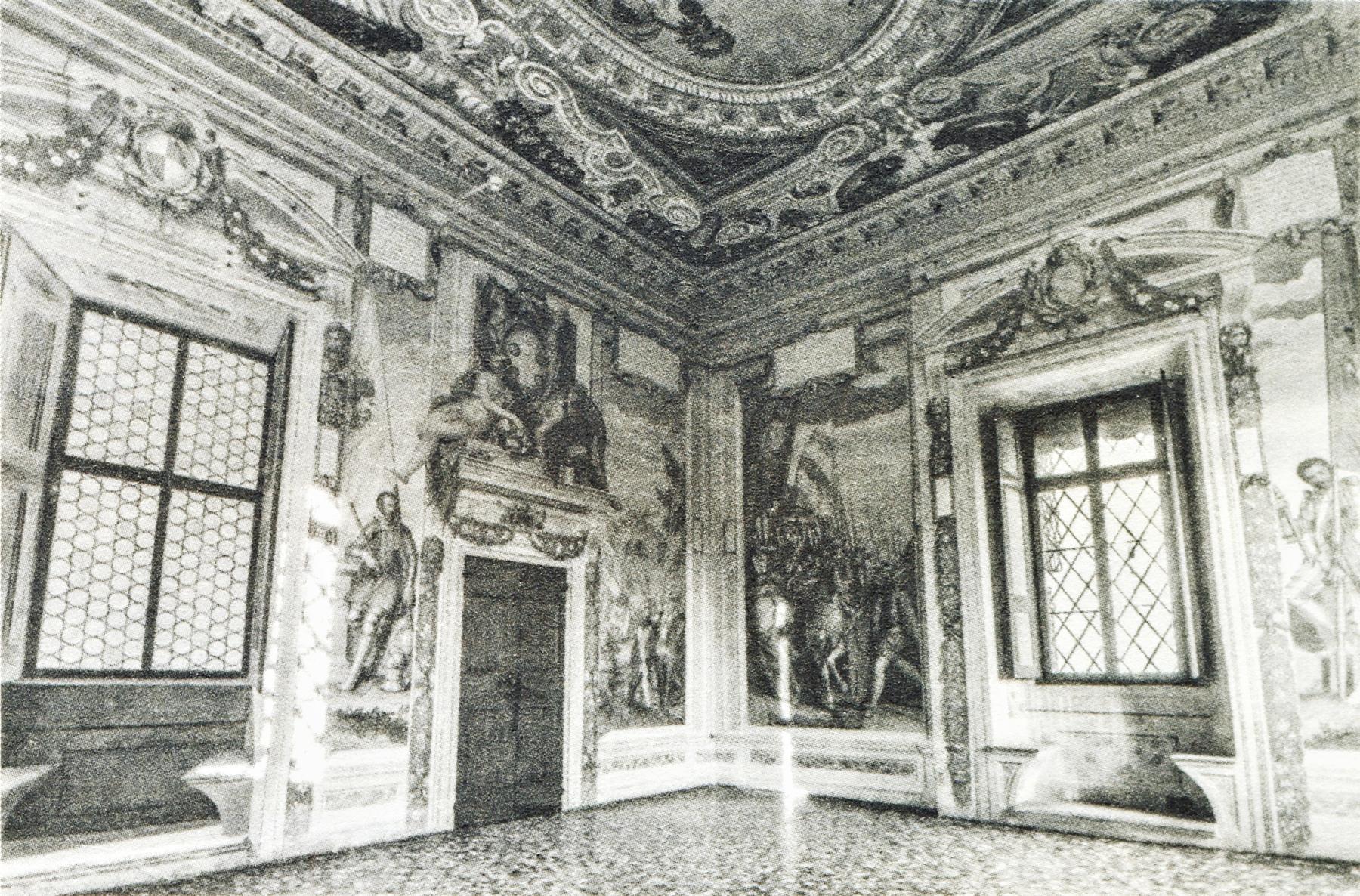 Castello del Catajo, scorcio della sala di Firenze al piano nobile.