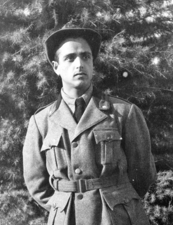 Il Geniere Alpino Agostini Italo a Udine nel 1940.