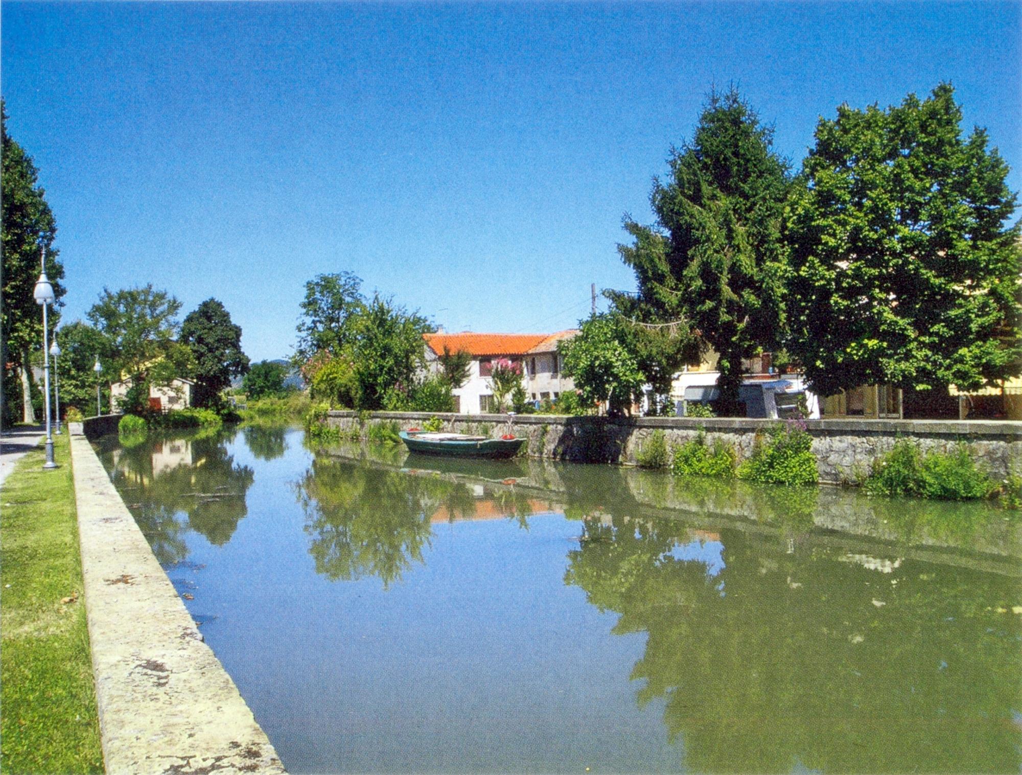 Il canale Biancolino nei pressi di Pontemanco (Due Carrare).