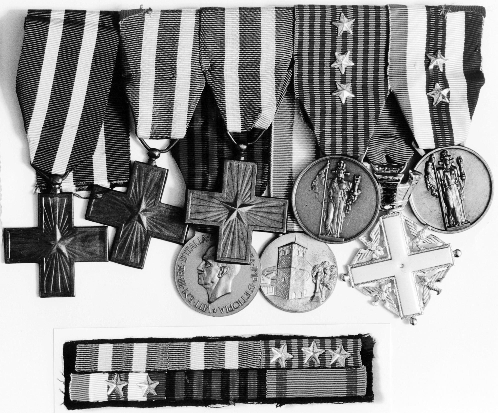 Decorazioni assegnate al Sergente Gallana Mario per essersi distinto nelle operazioni di guerra.