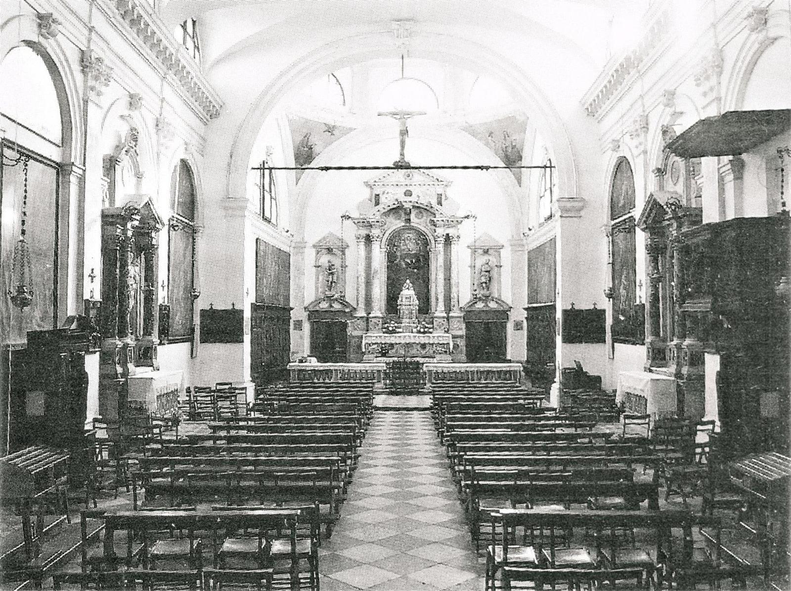 Vecchia chiesa parrocchiale di Battaglia Terme, interno.
