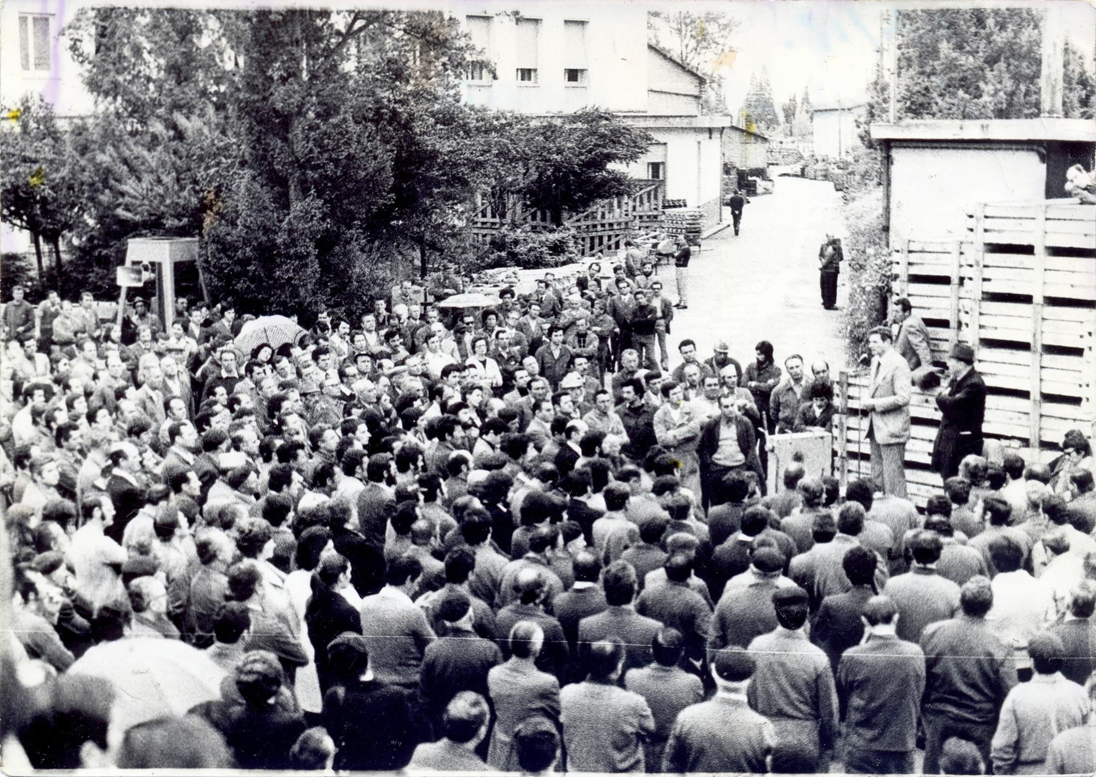 24 aprile 1975, Luciano Lama alla Galileo di Battaglia Terme (1).